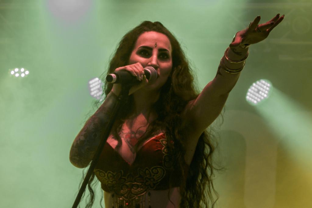 Eleine fyllde Rockklassikertältet med symfonisk och katchig metal.