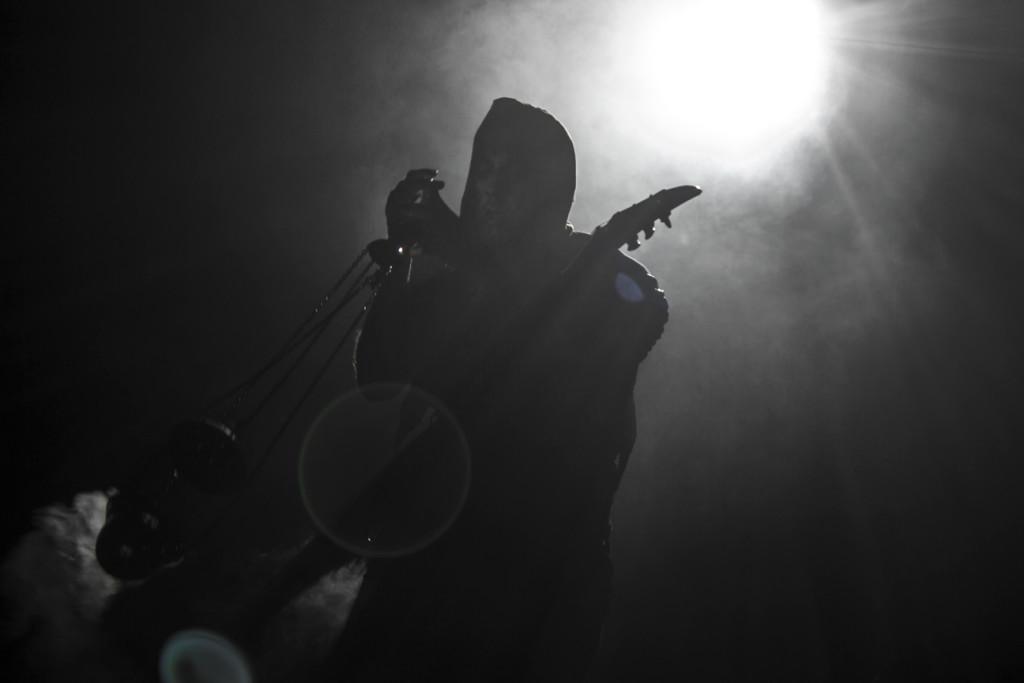Adam Nergal Darski mässar om Satan och skickar ljudattacker mot religion världen över.