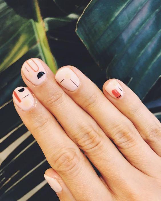 blondinbella naglar