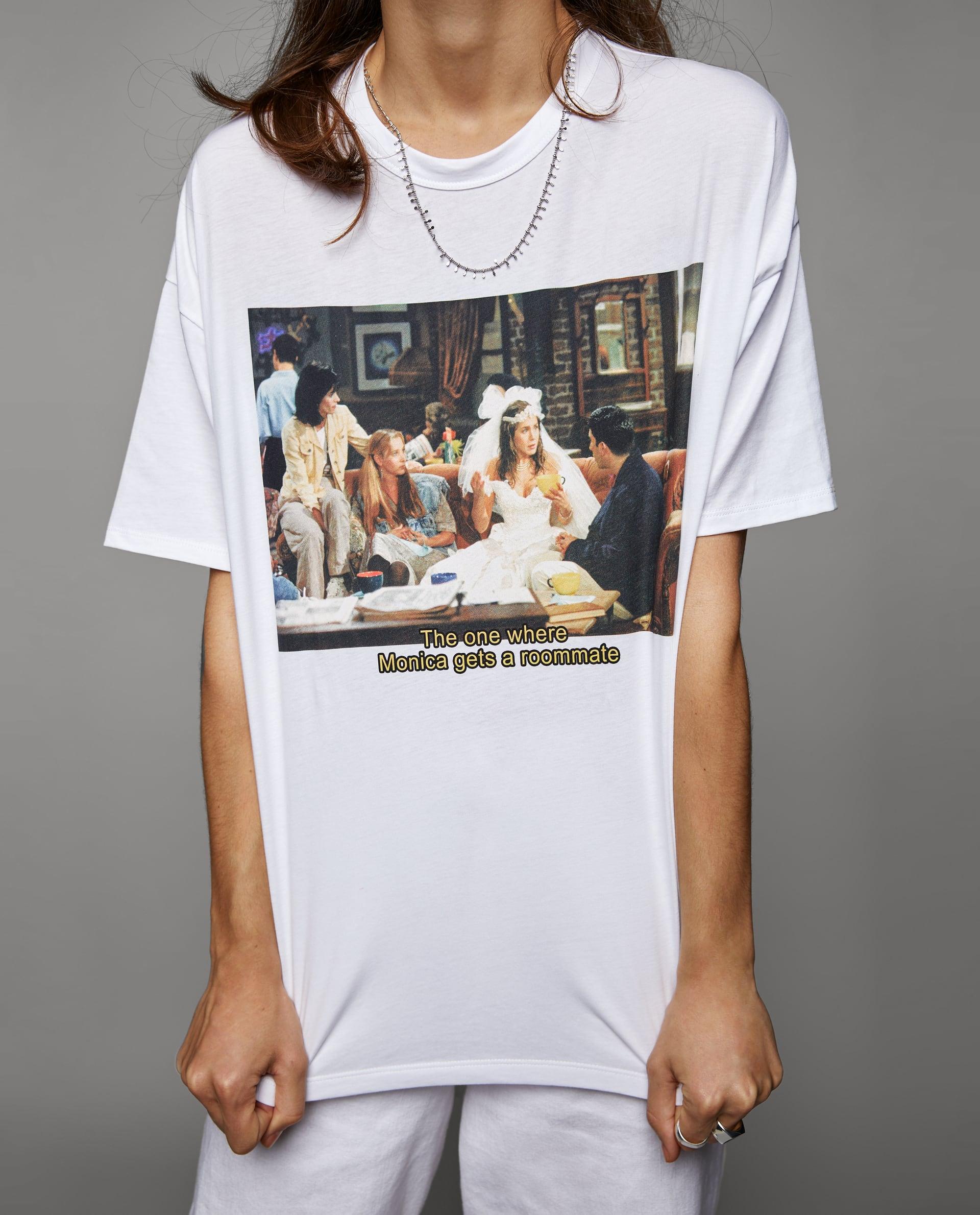 5199012dfcfc Första dagen på stan och du har på dig din nya ROLIGA t-shirt från Zara  instoppad i ett par fladdriga röda sidenbyxor och rena vita sneakers.