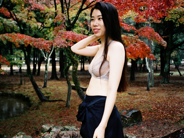 japan-lonely-girl-outtake