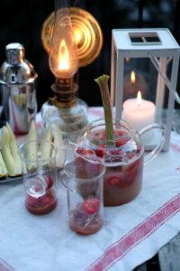 Rosésangria med rabarber och jordgubb