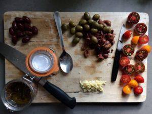 spaghetti puttanesca preparations