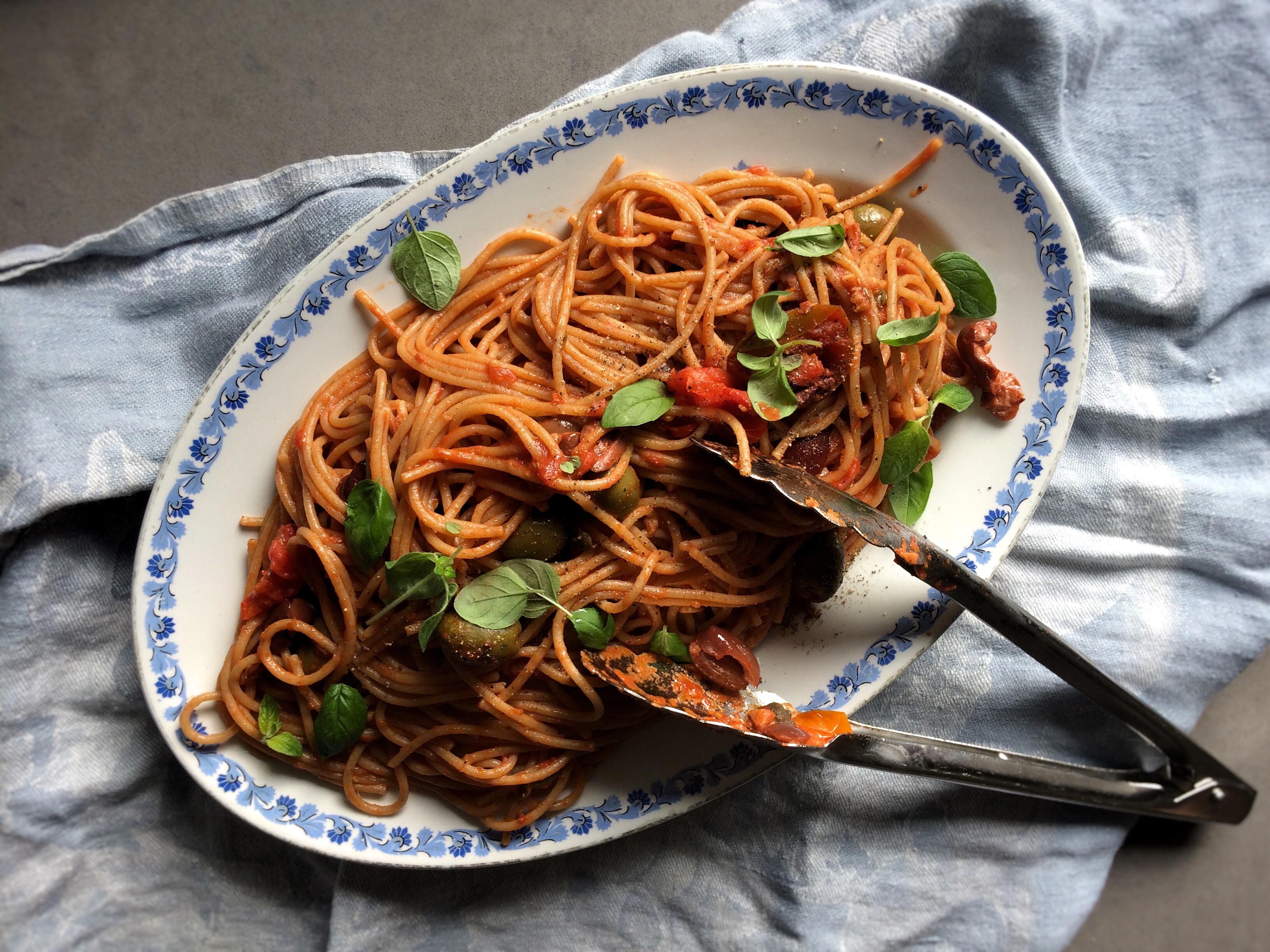 Slutty Spaghetti