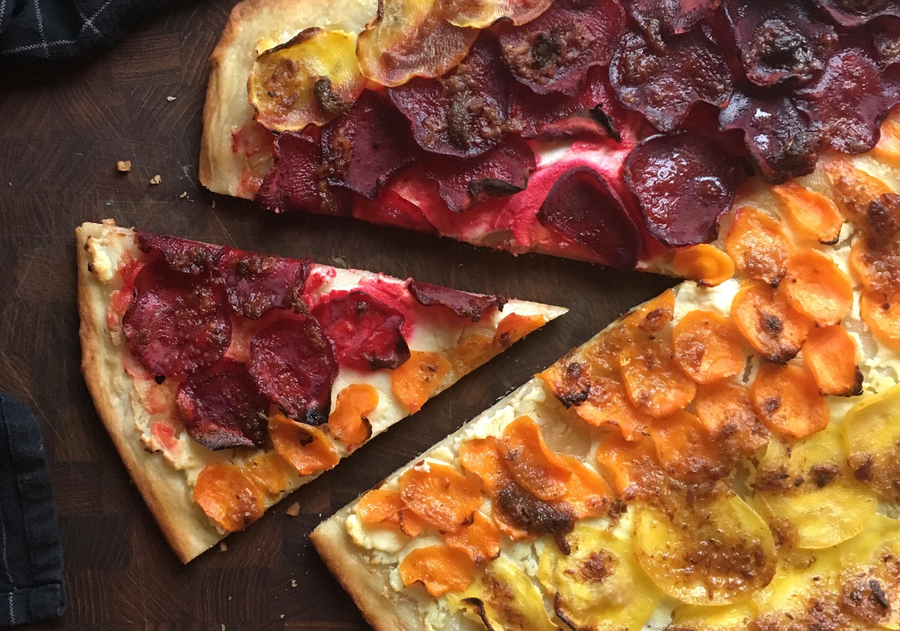 pizza bianco med betor och sardellsmör