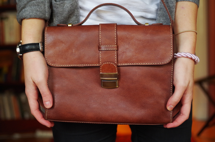 Handväska åhlens : Har blivit med handv?ska n?jesguiden